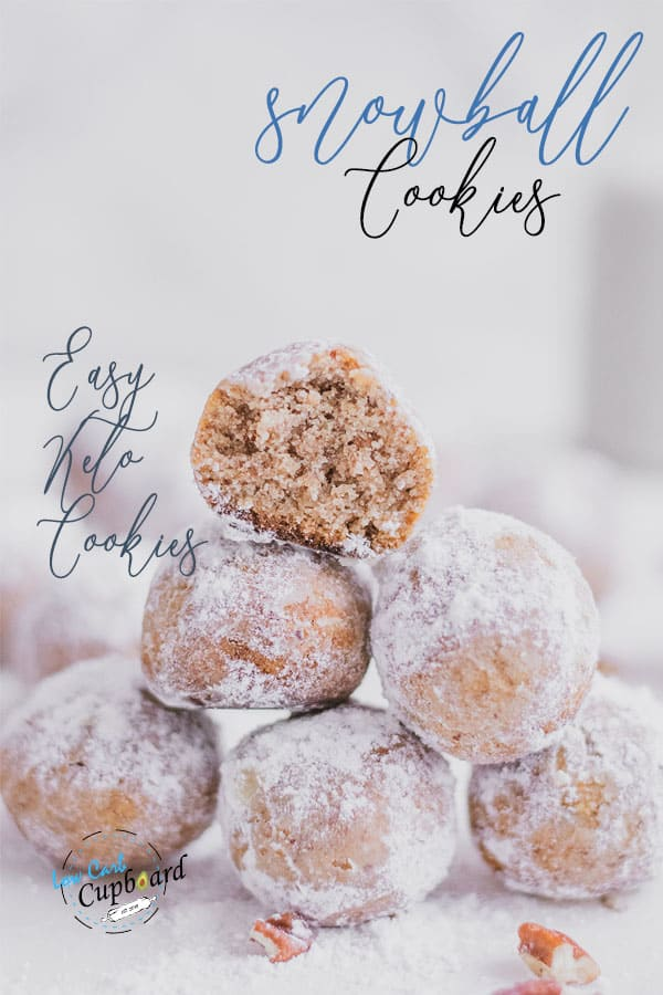 Easy and delicious low carb Snowball Cookies recipe. Tasty and easy to make keto cookie recipe that is perfect for the holidays. #ketocookies #snowballcookies