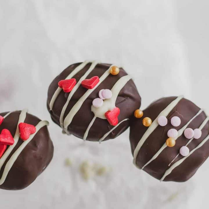 Keto Chocolate Cake Pops